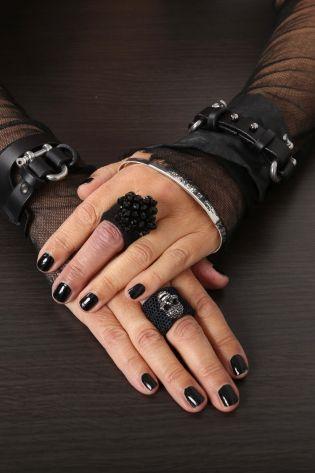 teo + ng - Leather bracelet DAI black - Winter 2022